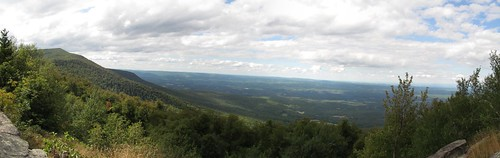 hiking hike valley mohawk catskills overlook viewpoint schoharie escarpment escarpmenttrail burntknob windhamhighpeak