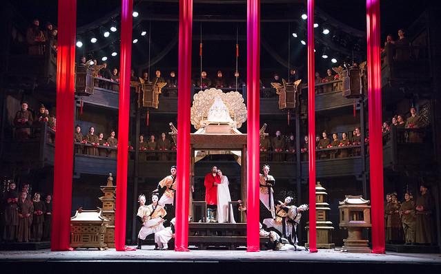 The cast of Turandot © ROH/Tristram Kenton, 2013