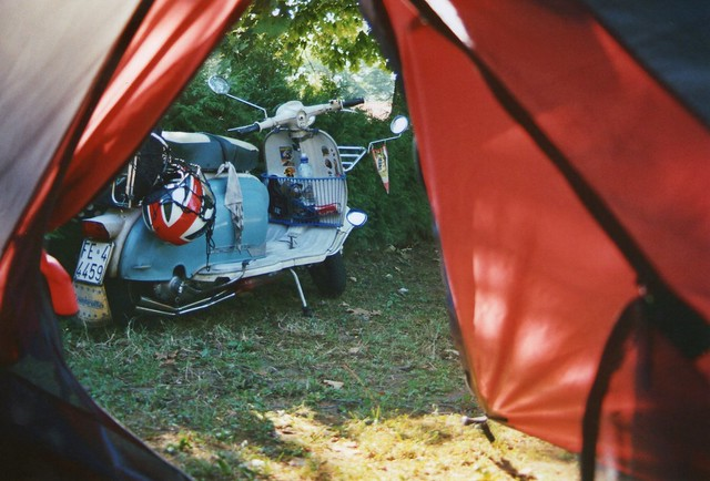tent, vespa, roadtrip