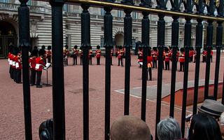 Cérémonie de la relève de la garde à Buckingham Palace