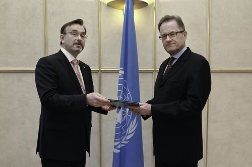 NEW PERMANENT REPRESENTATIVE OF UKRAINE PRESENTS CREDENTIALS TO ACTING DIRECTOR-GENERAL OF THE UNITED NATIONS OFFICE AT GENEVA