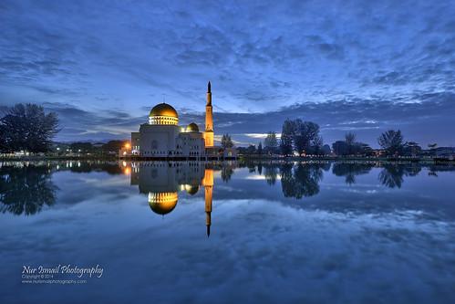 reflection clouds sunrise cloudy hdr mirrorreflection puchongperdana hdrphotography sifoocom masjidassalam nikond800e nurismailphotography nurismailmohammed nurismail