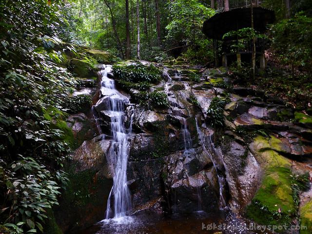 04 Waterfall