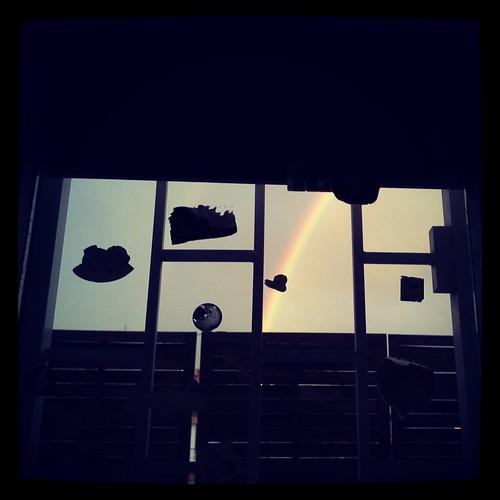 Fuori dalla finestra, l'arcobaleno