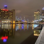 Nachts am Yarra River in Melbourne