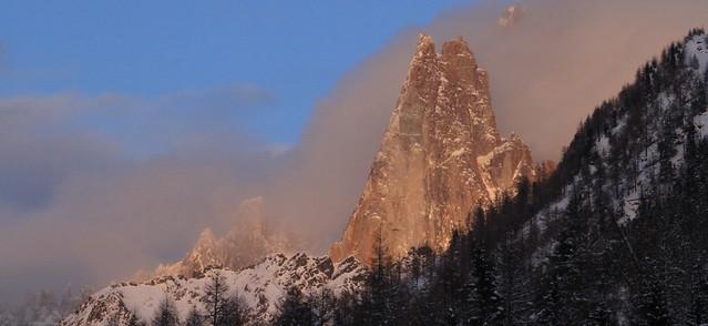 L'aiguille des Drus dans la chaîne du Mont Blanc... (Haute Savoie, France)