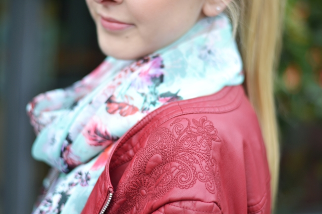 Outfit rote Lederjacke (9)