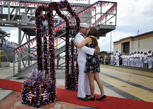 USS Hopper Returns to Pearl Harbor Following Eight-month Deployment