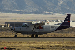 N711FX - 208B0433 - FedEx Feeder - Cessna 208B Super Cargomaster - Albuquerque, New Mexico - 141229 - Steven Gray - IMG_1383