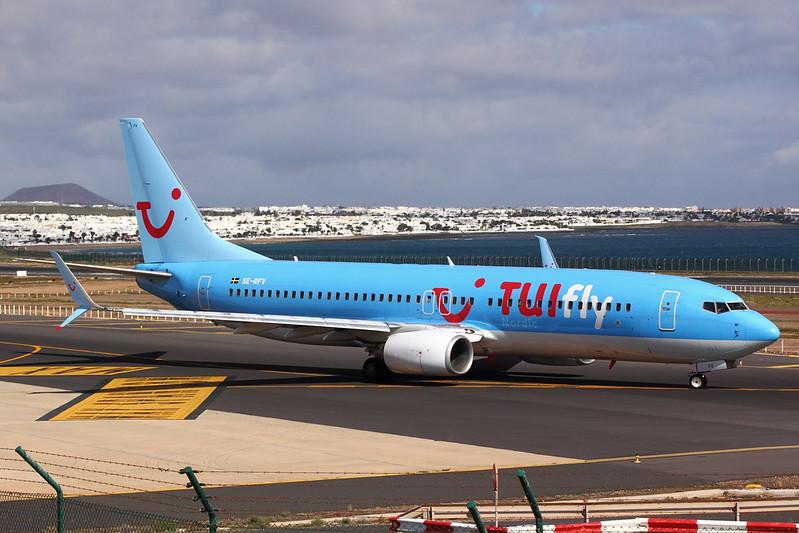 TUIfly Nordic - B738 - SE-RFV (1)