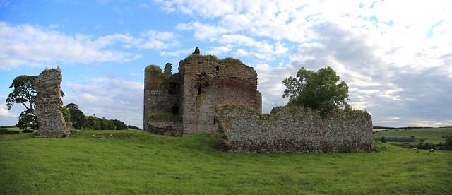 Cessford Castle (11) - the sieges