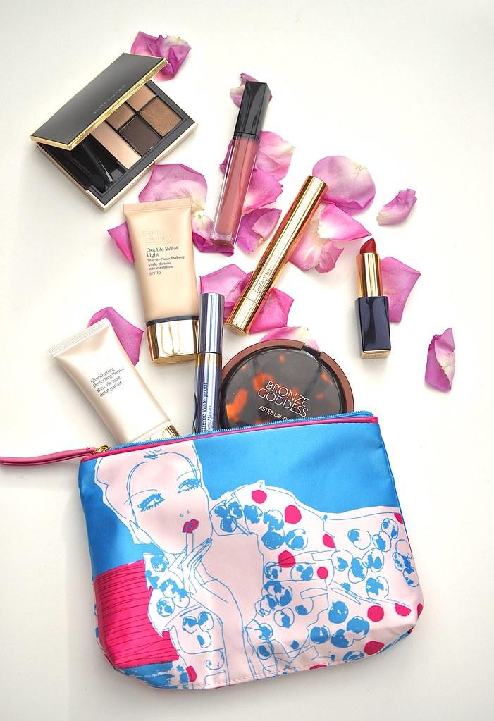 Estée Lauder Makeup bag makeup 1