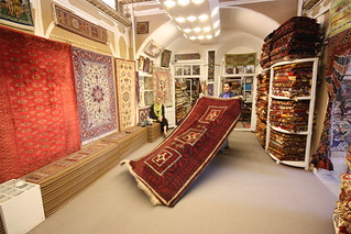 Buying carpets at Fazeli