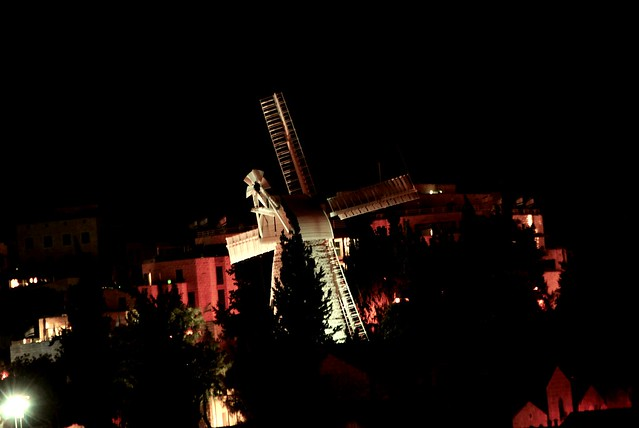 2016-06-03_07-07-09 Light Festival Jerusalem 2.6.16 Montefiore Windmill