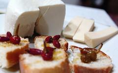 peperoncini formaggio e olio