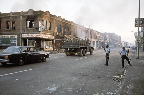 National Guard and police, Detroit Riots July 1967, Image: Howard Bingham/The LIFE Picture Collection/Getty, online:  Cris Wild: Remembering the Detroit Riots of 1967