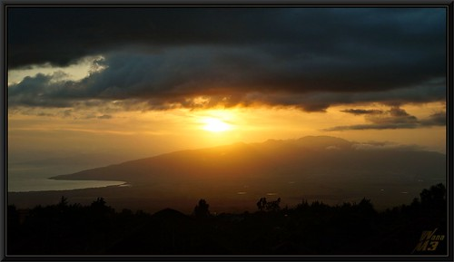 sunset hawaii maui kula upcountry kulalodge wanam3