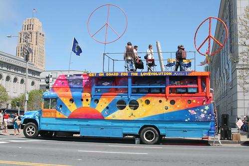 Lovevolution Bus