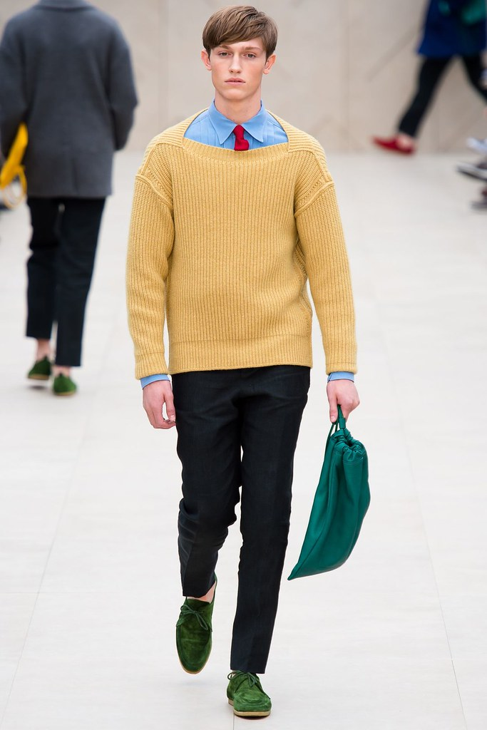 Callum Ball3001_SS14 London Burberry Prorsum(vogue.co.uk)