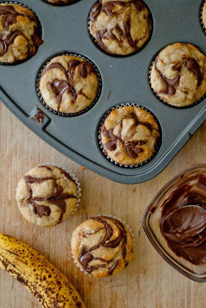 Banana cupcakes vertical