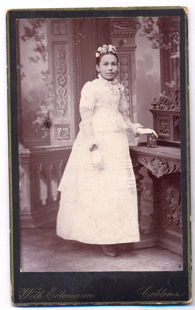 Fam.Braun-2 (Aunt Helene Dietrich at her First Communion) late 1890s