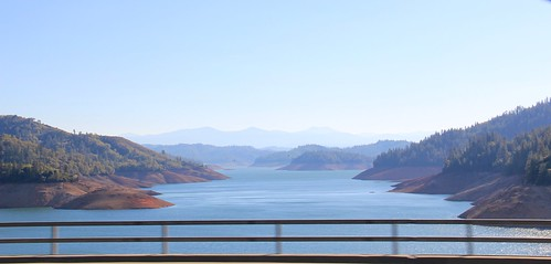 Shasta Lake from CA I-5