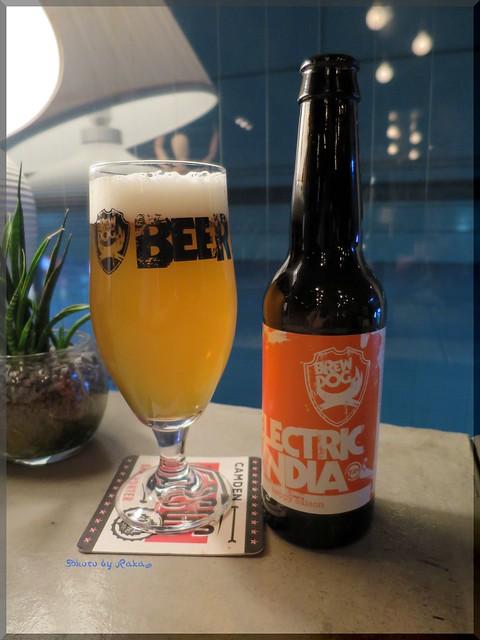 Photo:2013-11-11_ハンバーガーログブック_【池袋】Beer Pub CAMDEN 大好きなビアバーがハンバーガー始めるなんて!-09 By:logtaka
