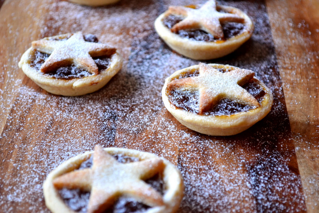 Marzipan Mince Pies Recipe (4)