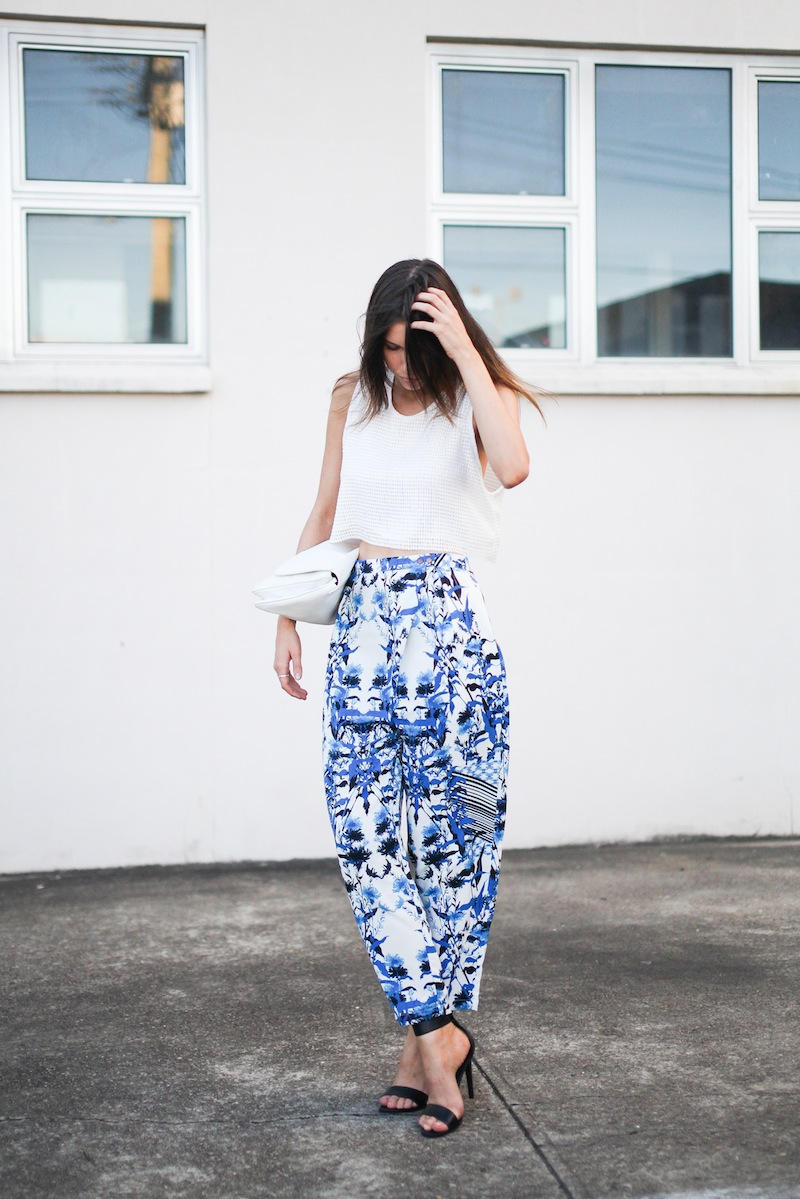 modern legacy fashion style blogger australia Christmas outfit party Three of Something printed pants crop top summer street style (3 of 9)