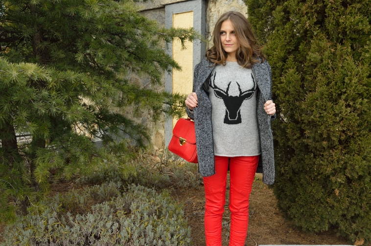 lara-vazquez-madlula-style-grey-red-look-biker-trousers