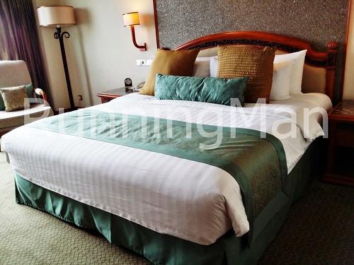 Shangri-La Hotel 02 - Bedroom