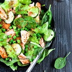 Salmon, Spinach & Green Peas Salad
