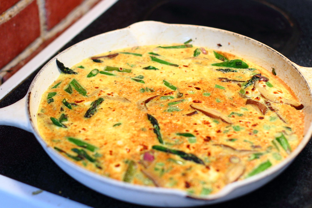 Sunday Dinner: Mushroom and Asparagus Frittata with Salad