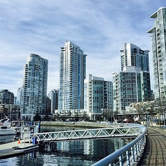 Yaletown, Vancouver. Walking the Seawall.