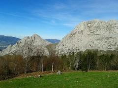 Cumbres de Astxiki y Alluitz desde el Mirador del Calvario