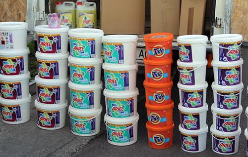 Шампуні під маркою «Procter & Gamble» «розливали» у Луцьку