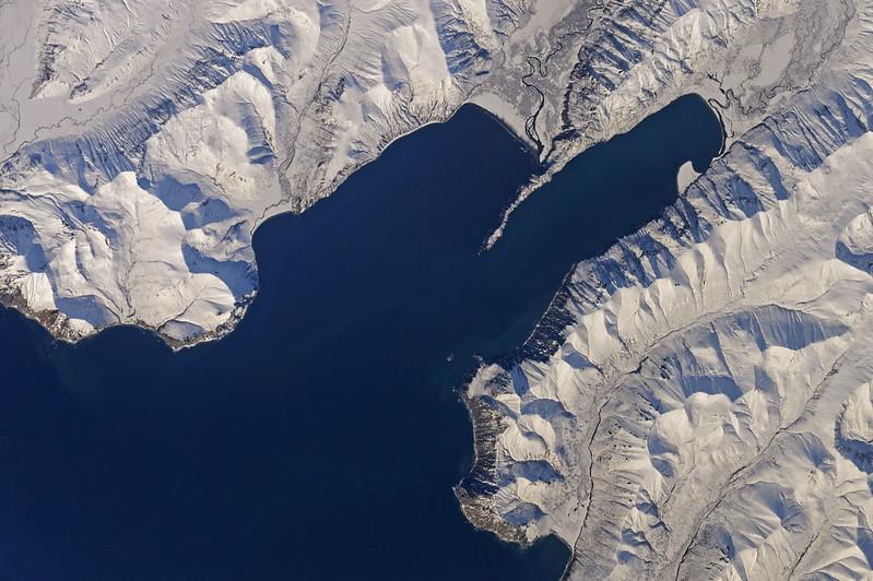 Заснеженное побережье Камчатки