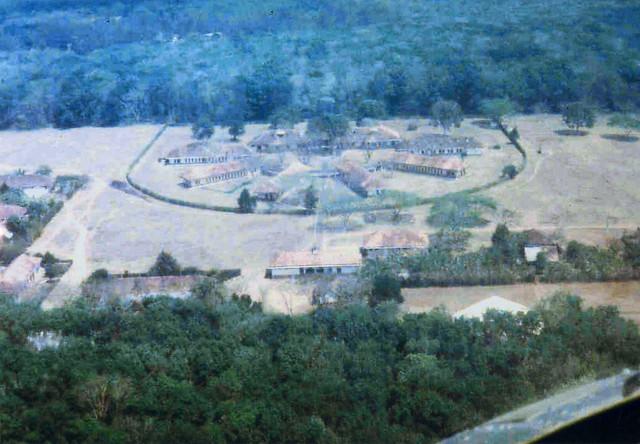 Đồn điền cao su AN LỘC của Pháp ở Suối Tre gần Xuân Lộc (những ngôi nhà bây giờ vẫn còn)