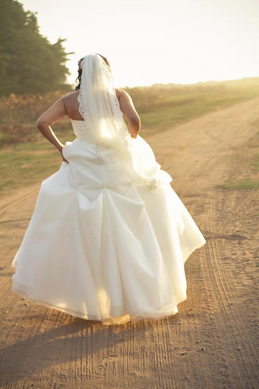 novia en paisaje