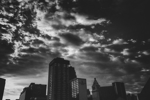 iphoneedit handyphoto jamiesmed app snapseed 2016 sunrise hamiltoncounty cincinnati vsco blackwhite bw blackandwhite may ohio midwest iphoneography phoneography mobileography iphoneonly iphonephoto iphone5s sky photography clouds downtown spring city mobilography clermontcounty mobilephotography sun queencity cityscape geotag geotagged fauxvintage mobilephoto shadows shadow scape shotoniphone