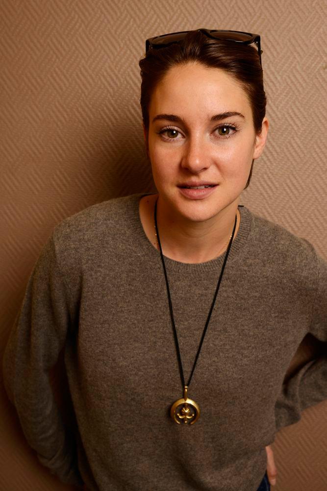 Шейлин Вудли — Фотосессия для «Белая птица в метели» на «Sundance» 2014 – 33