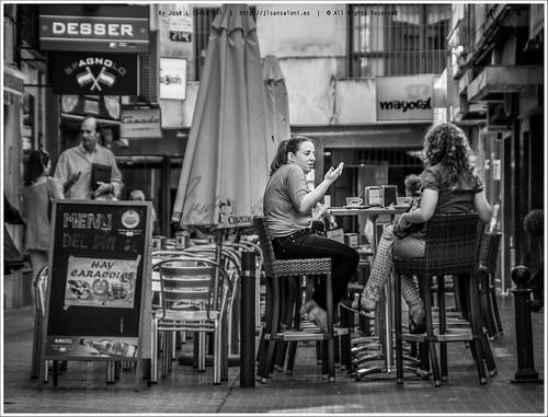 La ciudad es un millon de cosas- Hay caracoles by Sansa - Factor Humano