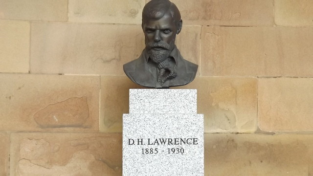 DH Lawrence Bust