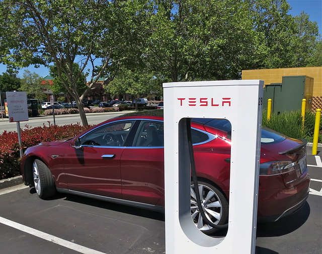 Tesla Supercharging in Gilroy