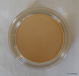 Paint pot MAC: Soft Ochre