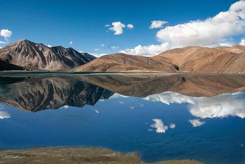 india reflection nature day tibet himalaya ladakh wetland jammuandkashmir pangonglake disputedterritory flickrhivemindgroup rutogcounty photographyforrecreationeliteclub vigilantphotographersunite vpu2 vpu3 pwpartlycloudy