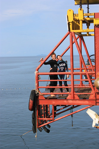 Lina and Dina, ready to jump off SeaVenture's oil rig