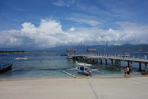 Pier of Gili Trawangan.  No one seems to use the pier.