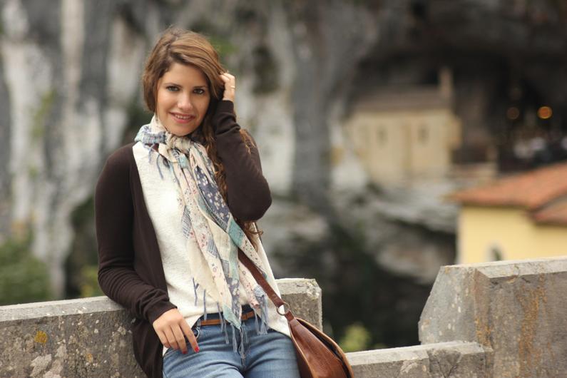 Covadonga---look-turismo---heelsandroses-(2)