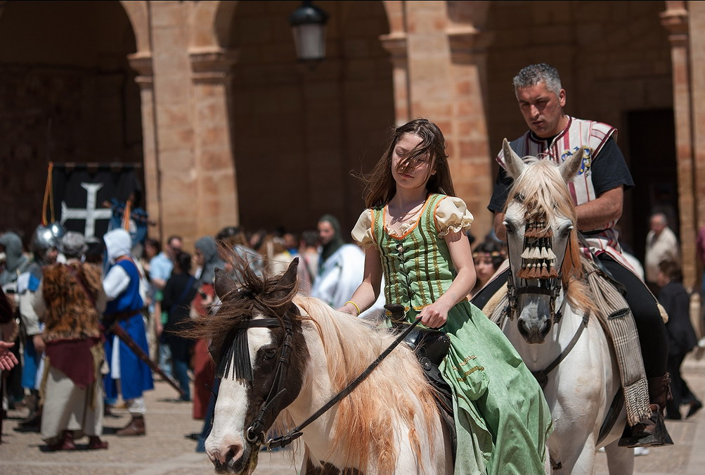 15. Un descanso durante la recreación histórica. Autor, Jose María Moreno García